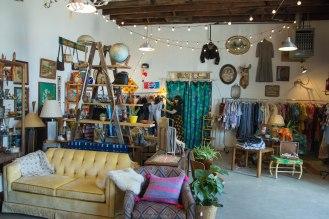 Dobbin Street Vintage Co-op - Vintage shop - Greenpoint - jungalow style